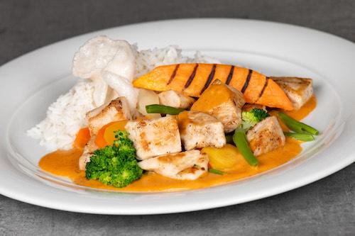 c) Roter Thai Curry (verschiedene Arten}
